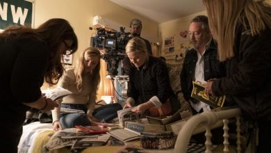 Photo of 'Moxie': Amy Poehler, Hadley Robinson and more behind the scenes of the movie