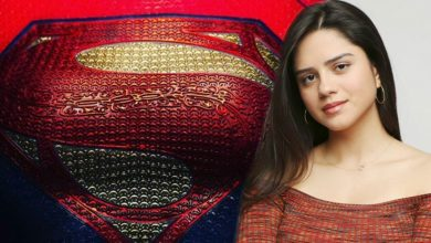 """Photo of """"The Flash"""": Photos from the set reveal Supergirl's uniform;  Check!"""